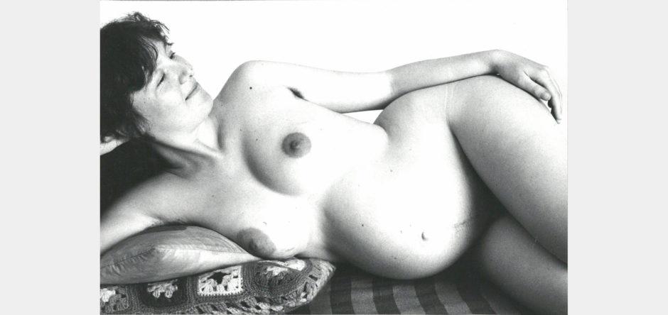 Paola Mattioli, Sara è incinta, 1977, stampa baritata, cm 11,8x17,6
