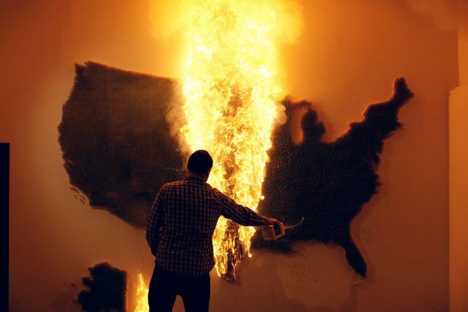 Claire Fontaine, America (burnt unburnt) 2011 (3) (1000x667)