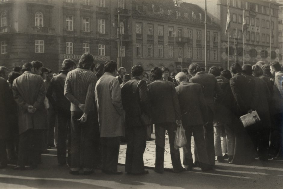 Group of Six Authors, Exhibition-action on the Republic Square, Zagreb, 25. 10. 1975, 1975, bw photograph, 90 x 140 mm (2), Marinko Sudac Collection (1000x669)