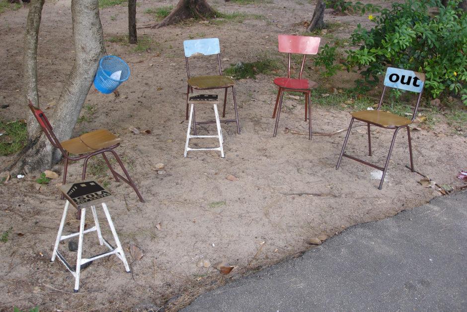 p110-111.iac.chaises (2)