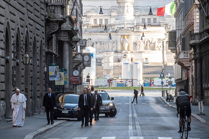 Pope Francis on a private visit to the Basilica of Santa Maria Maggiore