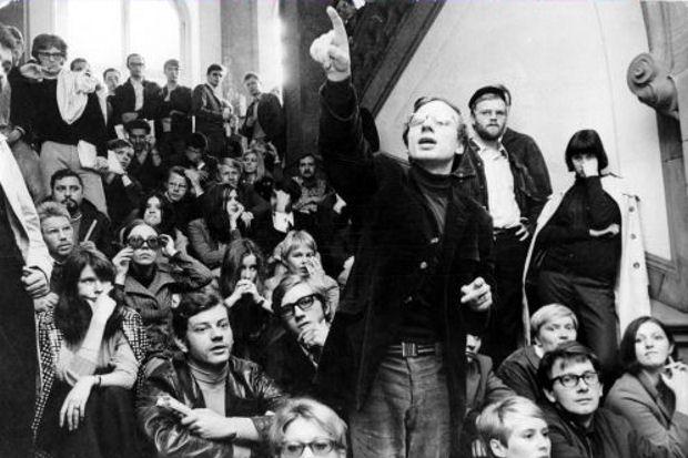 Studenten-Demos BRD - Besetzung der Frankfurter Uni; mitte J?rgen Krahl, Vorstandsmitglied der SDS