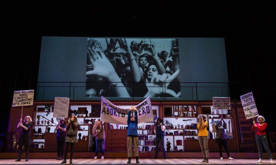 Lingua Madre (2021), regia Lola Arias, Arena del Sole di Bologna_ph Stefano Triggiani